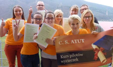 FIRST MINUTE na hybrydowy kurs intensywny pilotów wycieczek w Oświęcimiu i Zakopanem